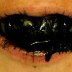 Att bleka tänderna med aktivt kol