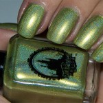 Holofredag: Enchanted Polish – <strike>Olive The Other Reindeer</strike> Green Peace On Earth