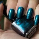Blå måndag: Glitter Gal – Beetle Wings