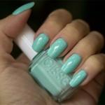 Blå Måndag: Essie – Mint Candy Apple