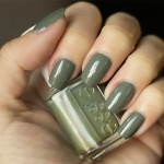Grön Onsdag: Essie – Sew Psyched