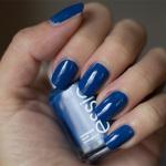 Blå Måndag: Essie – Mezmerised