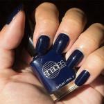 Blå Måndag: Shades of Barielle – Berry Blue